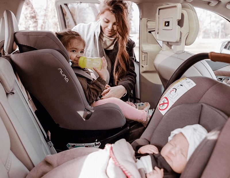 ELLA DVORNIK OBOŽAVA NUNUSigurno na putu s bebama i mališanima